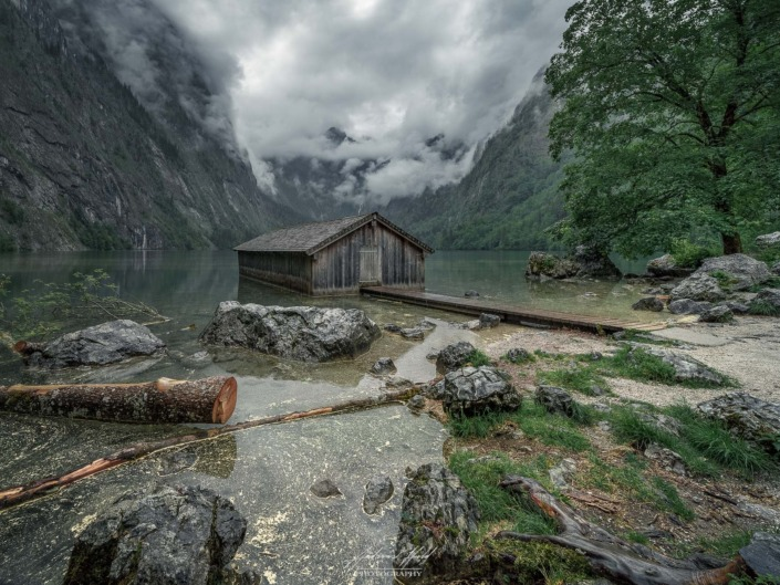 Das Bootshaus am Obersee im Berchtesgadener Land. The boathouse on the Obersee in Berchtesgadener Land